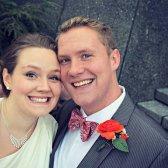 Un par de fantasmas photobombs fotografía de la boda!