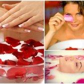 beneficios de belleza de agua de rosas