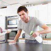 Abajo y sucio: las tareas del hogar puede darle vida a su relación?