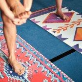 Cómo limpiar realmente su estera de yoga