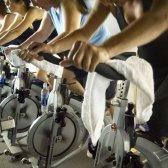Spin & fuerte: un nuevo giro de entrenamiento combina la formación y la fuerza