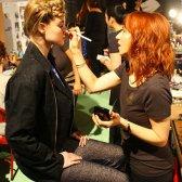 Semana de la moda Vaute la pista tiene maquillaje vegetariana