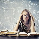 ¿Por qué los estudiantes cambian sus mayores?