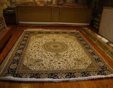 consejos de limpieza en seco para lana abrigos, alfombras y cortinas